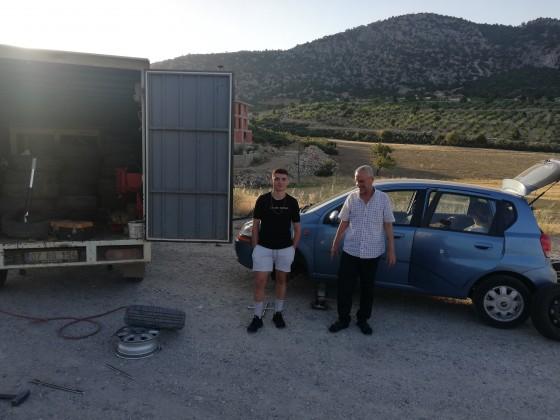 Saat 6 30 Antalya yolunda lastik tamiri