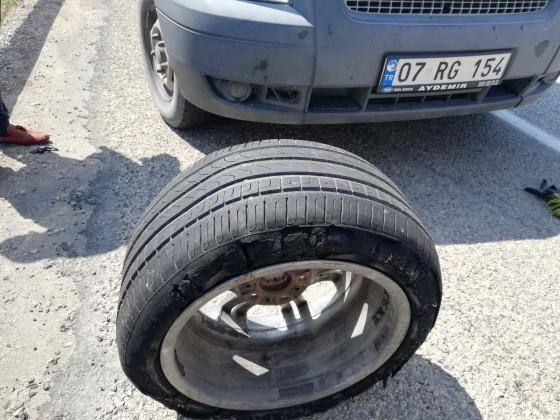 Antalya yolunda lastik tamiri