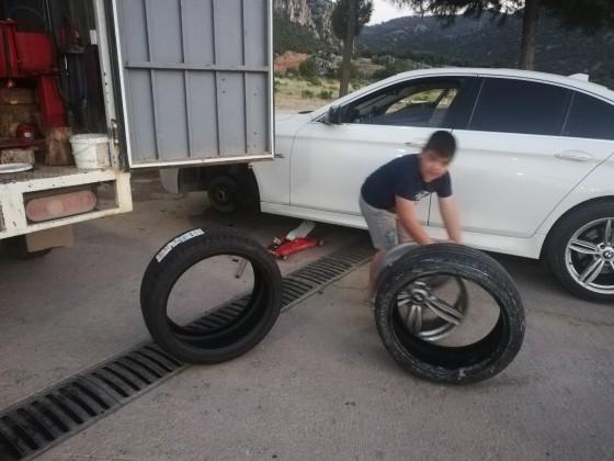 Antalya yolu sögütcük mahallesinde yeni lastik montajı