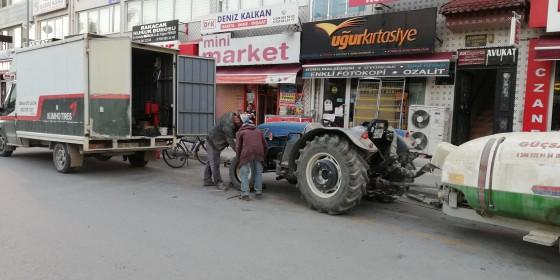 Sabahın 5 30 traktör lastiği tamiri