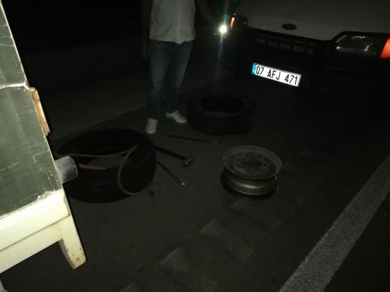 Gece gece yolda kalan müşterimize yardımcı olduk